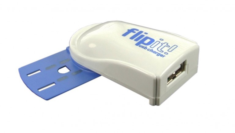 Flipit lets you charge devices from outlets that are in use